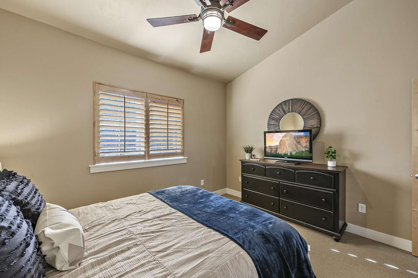 Fan and windows for your comfort