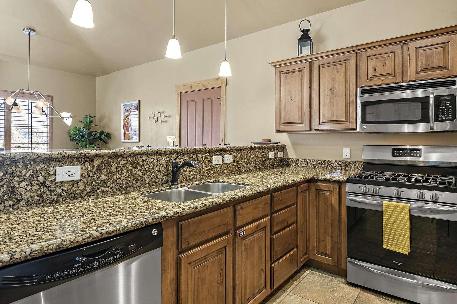 Plenty of preparation room with dishwasher