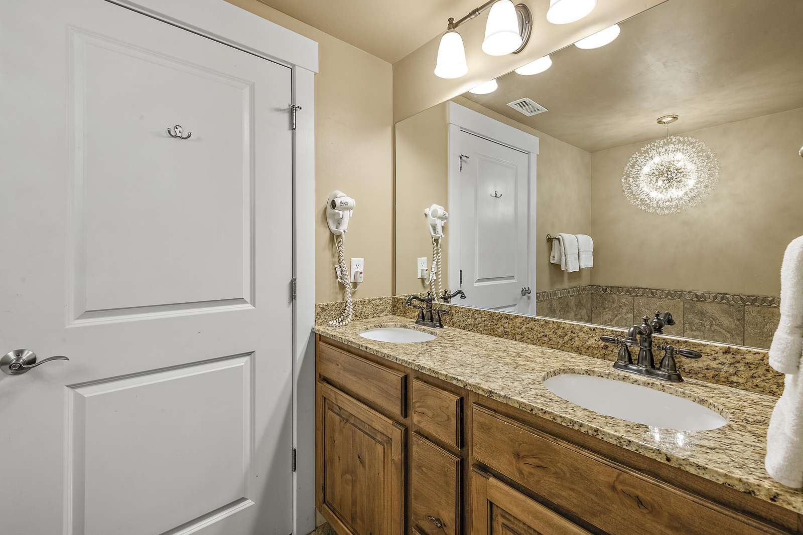 Double sink with plenty of space