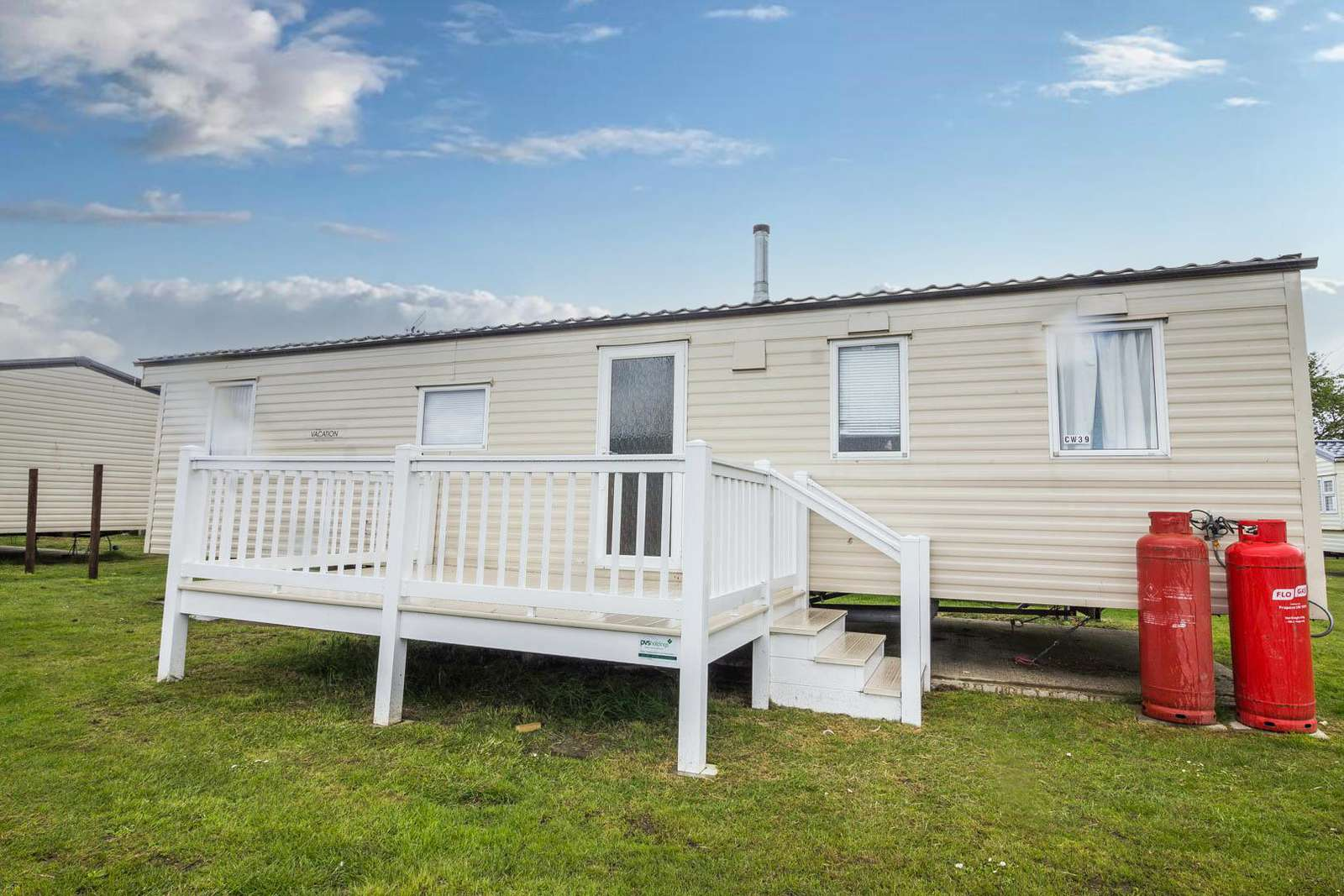 28039CW – Constable Way area, 3 bed, 8 berth caravan with decking. Emerald rated. - property