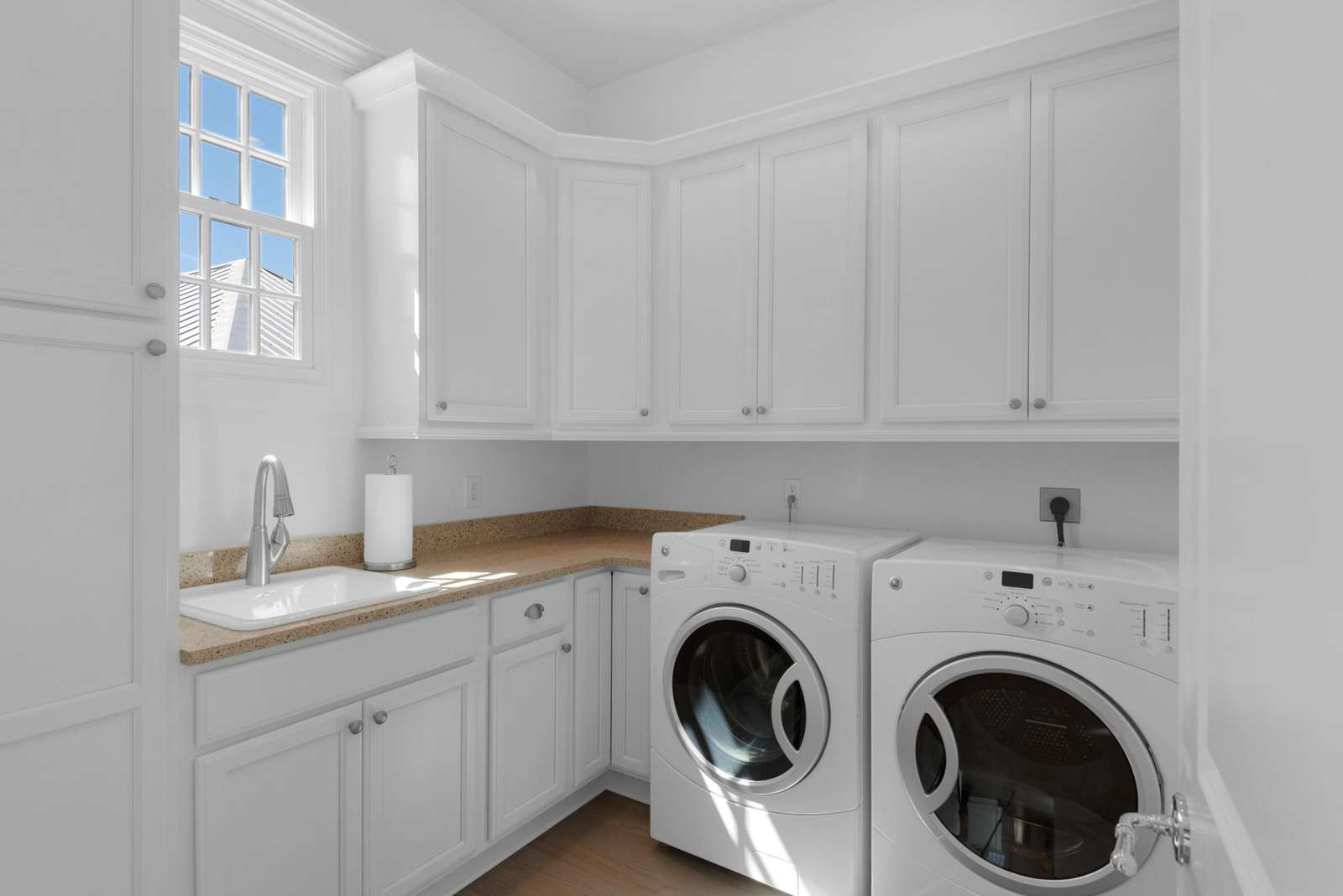 Large Utility Room W/D