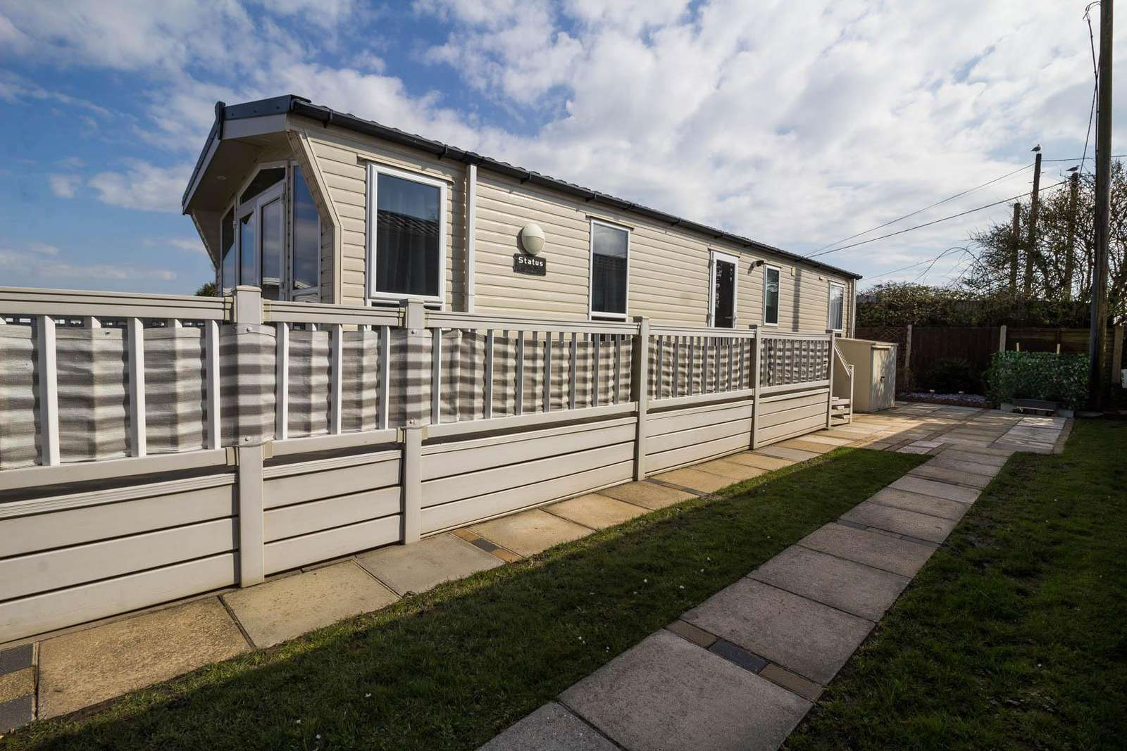 50001cM – Magpie area, 2 bed, 6 berth caravan with decking. Diamond-Plus rated. - property