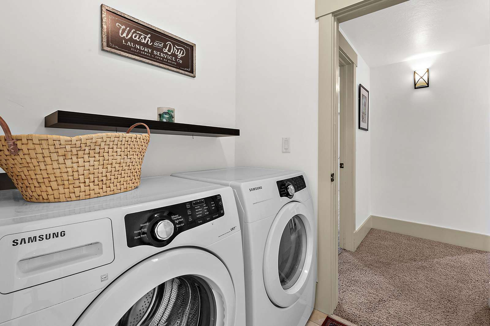 Private washer and dryer available
