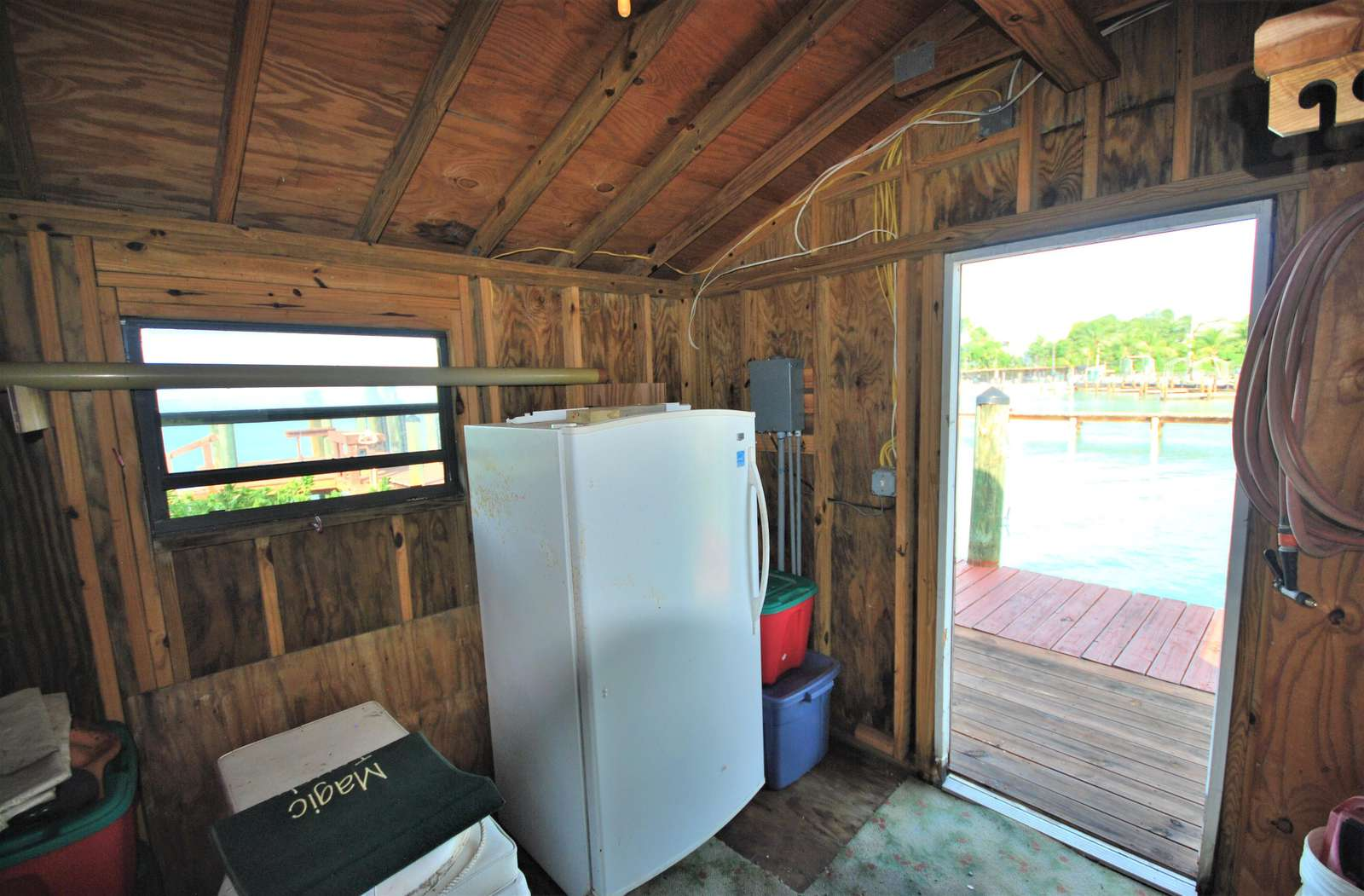 The Boat House offers a full size bait freezer or pre-freeze your catch for the return trip home.