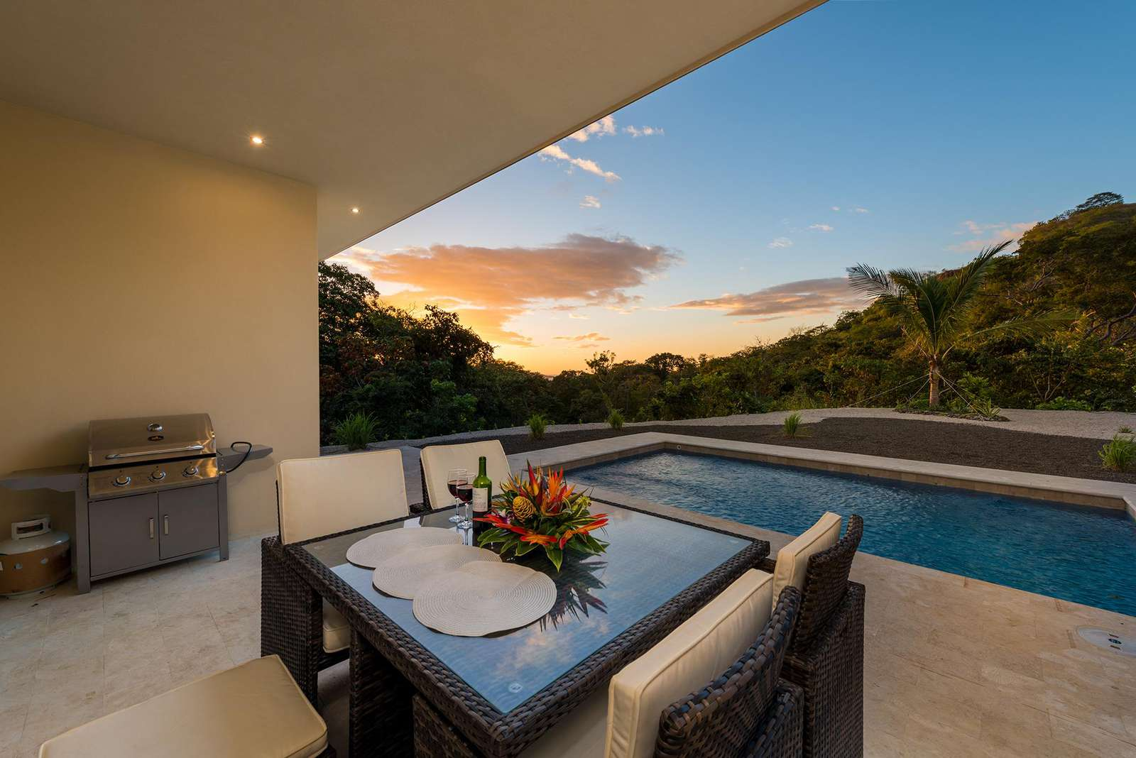 Dos rios 18, pool and sunset view