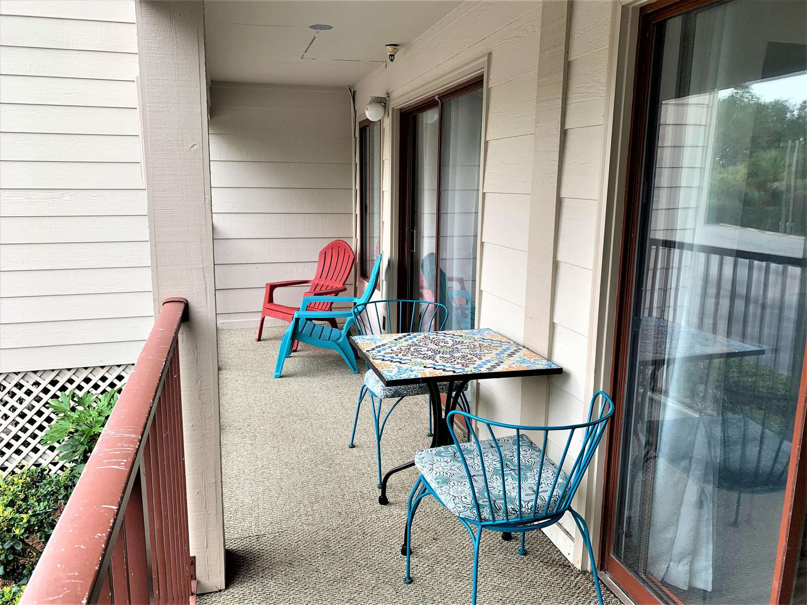 Double Sized Balcony with table for Coffee in the Morning