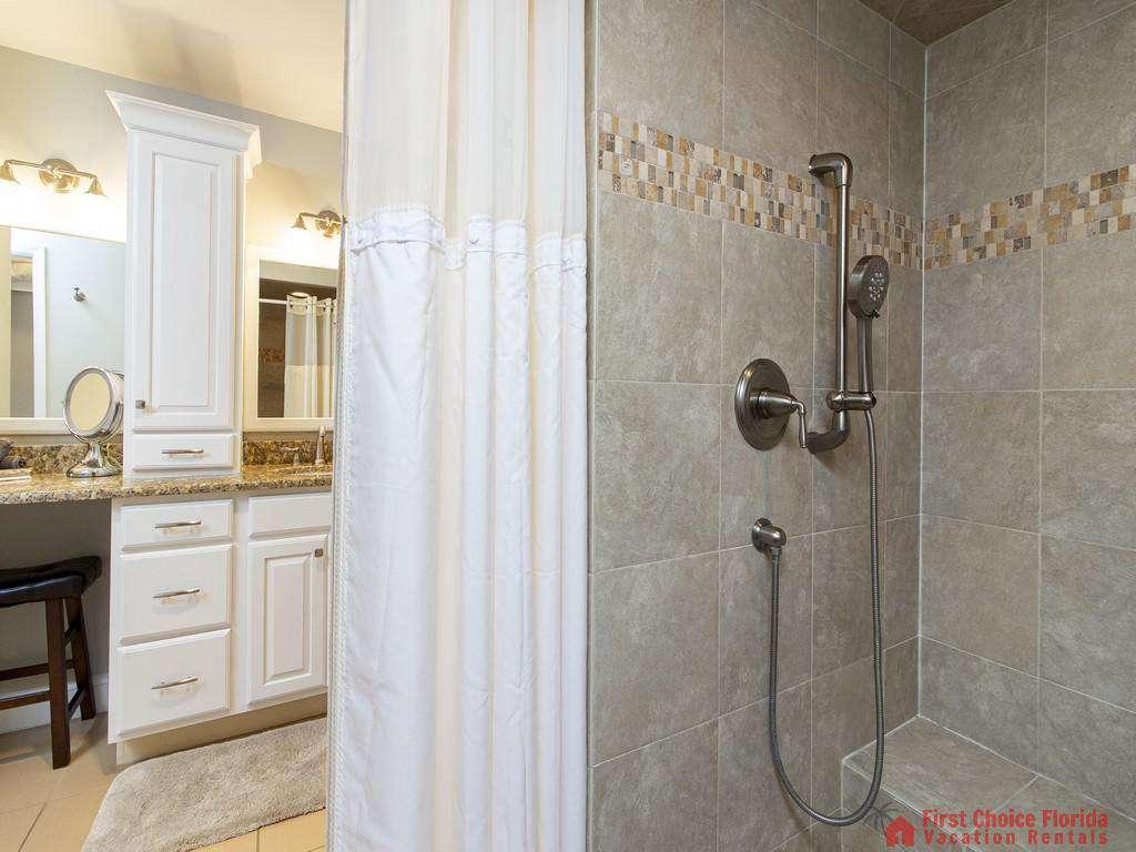 See Ray Shores - Master Bath
