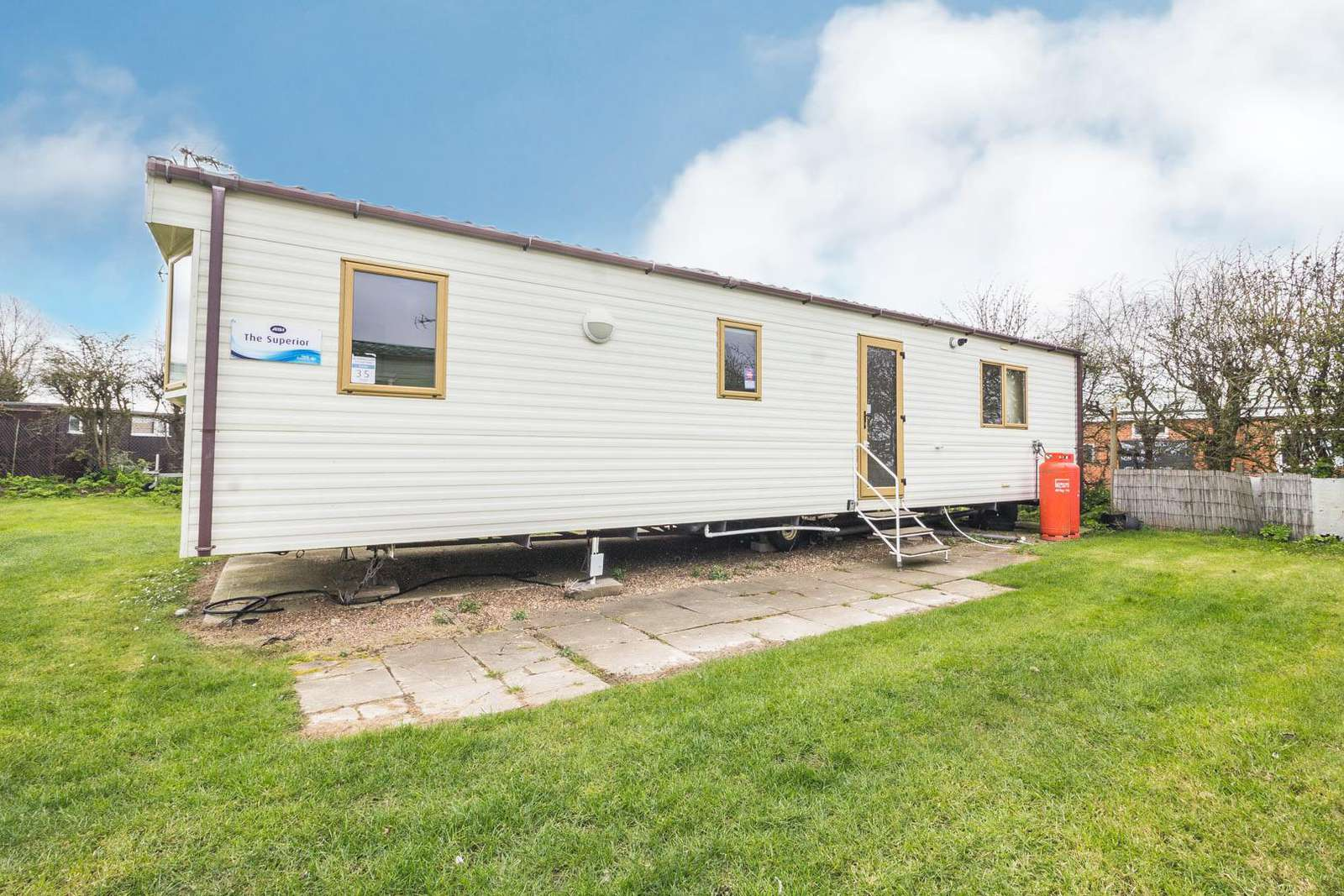 50035C – Curlew area, 2 bed, 6 berth caravan with D/G & C/H. Ruby rated. - property