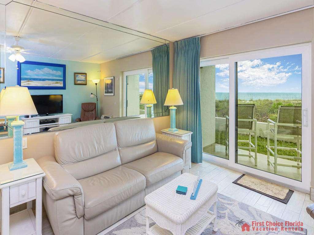 Beachers Lodge 120 - Living Room