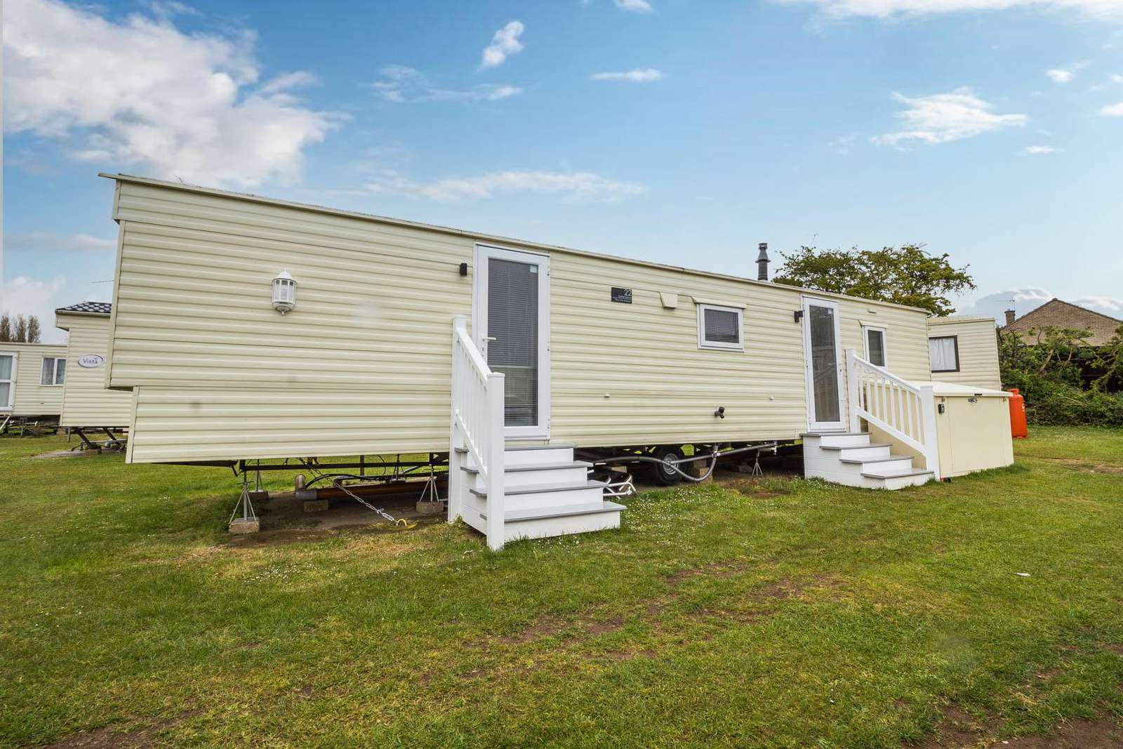 23022S – Sandringham area, 3 bed, 8 berth caravan with D/G & C/H. Ruby rated. - property