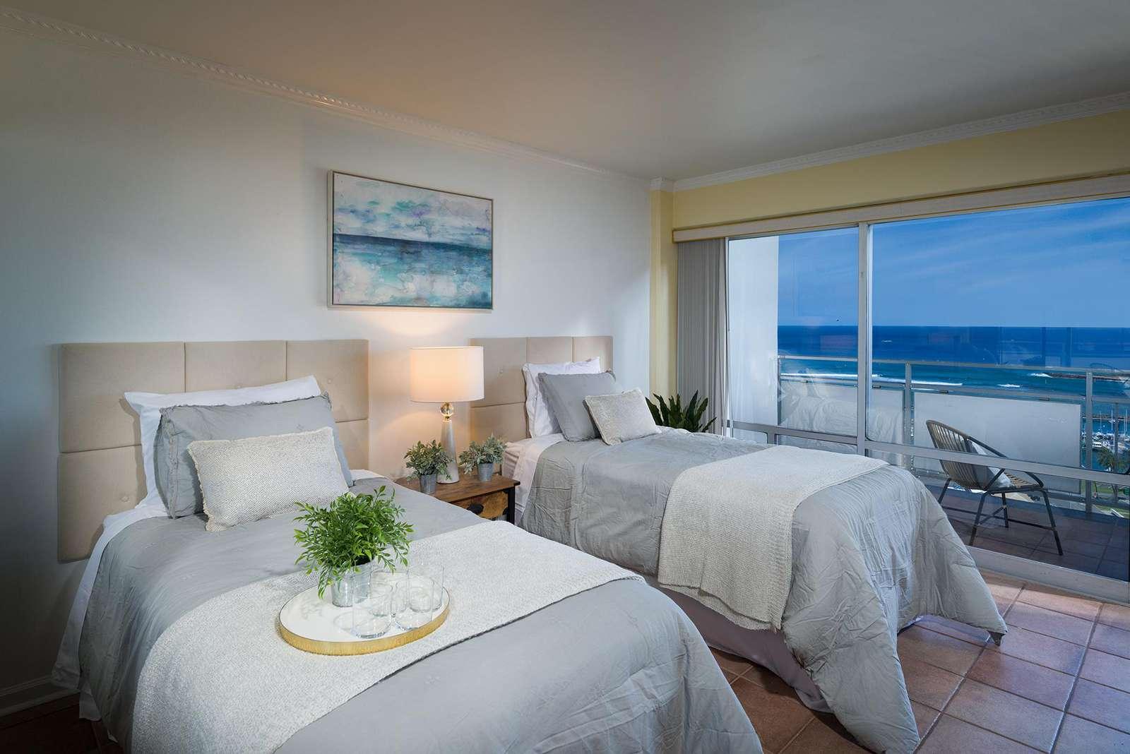 Extraordinary Ocean/Harbor View 1bedroom Ilikai Suite #1906