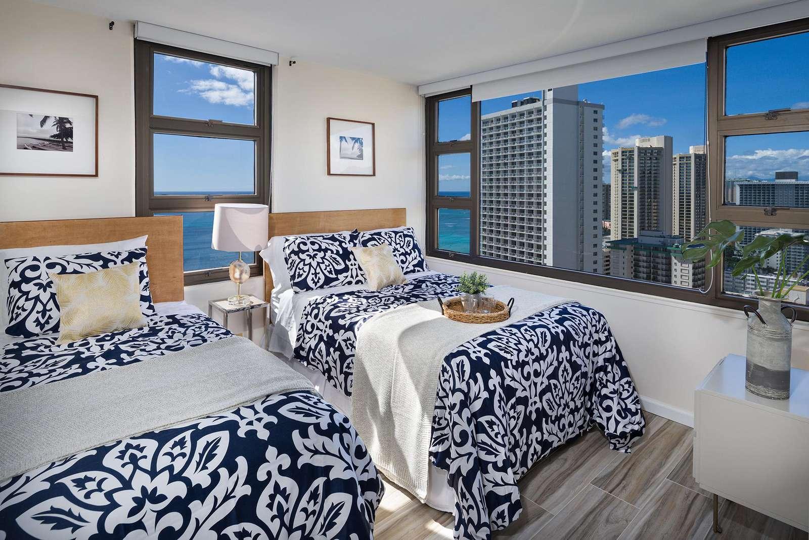 Gorgeous High Floor Ocean View 1 Bedroom at Waikiki Banyan #3114 T-1
