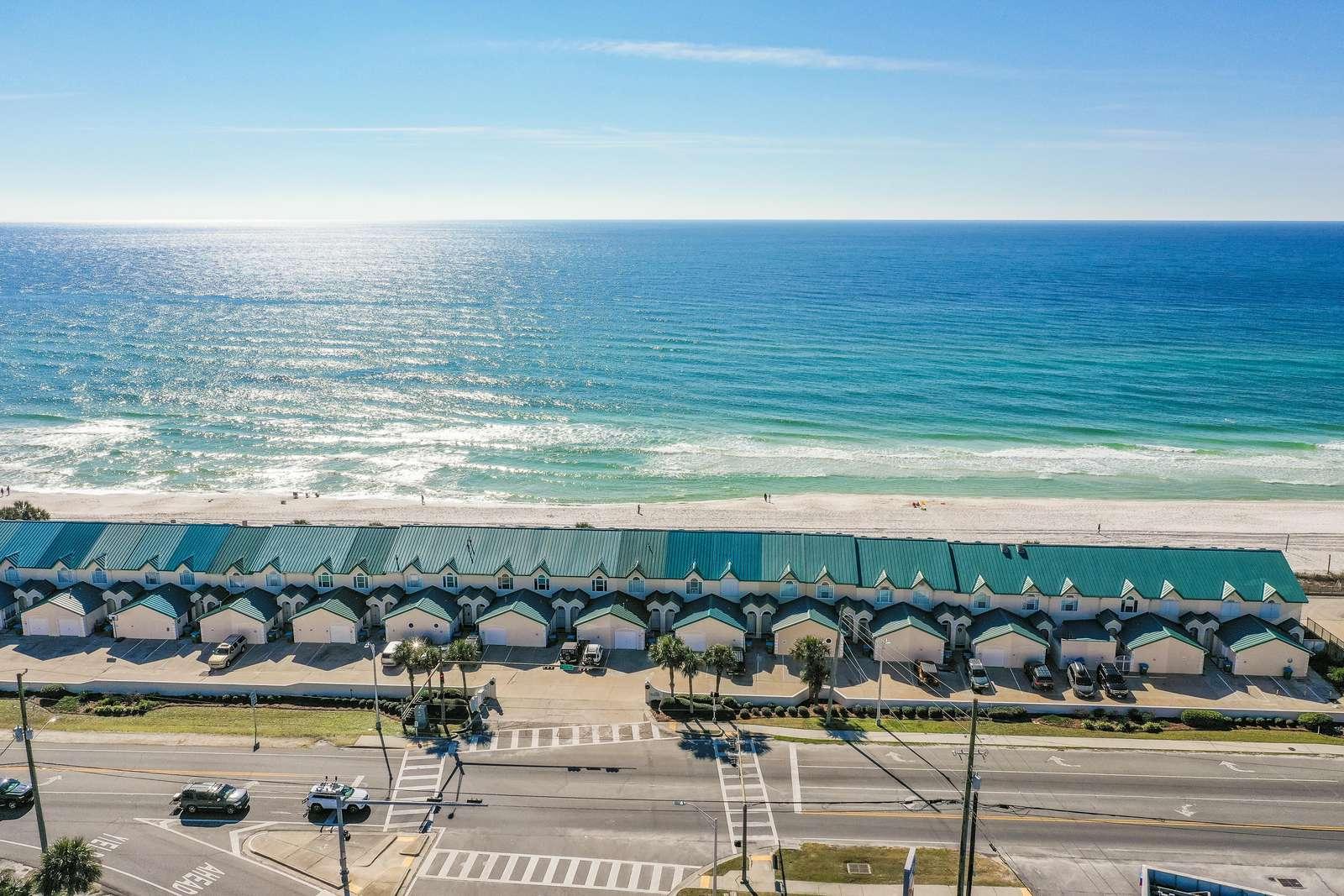 Beachside #8 - Beachfront - sleeps 10!