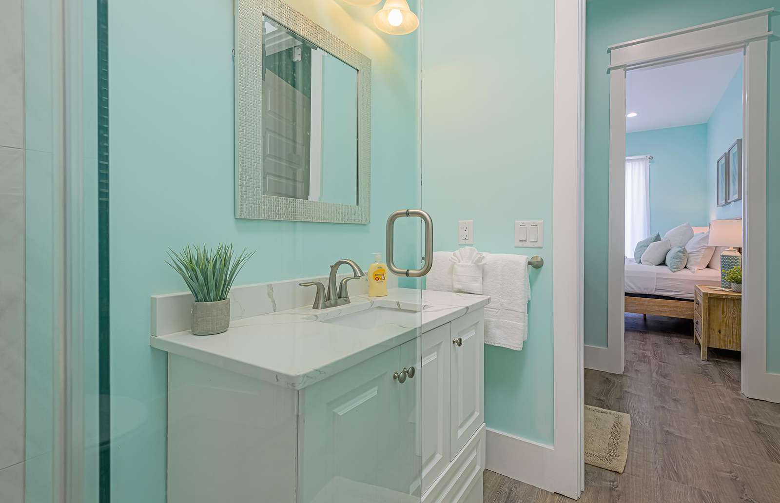 2 vanities and 2 sinks in the master bath!