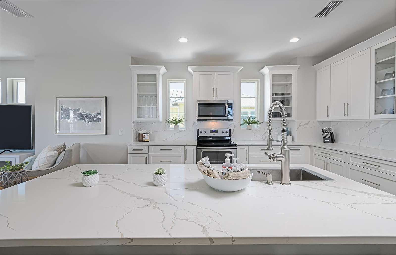 Large kitchen island and counter space!
