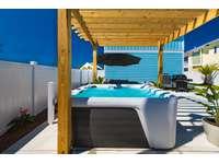 New pergola canopies the 7 person hot-tub! thumb