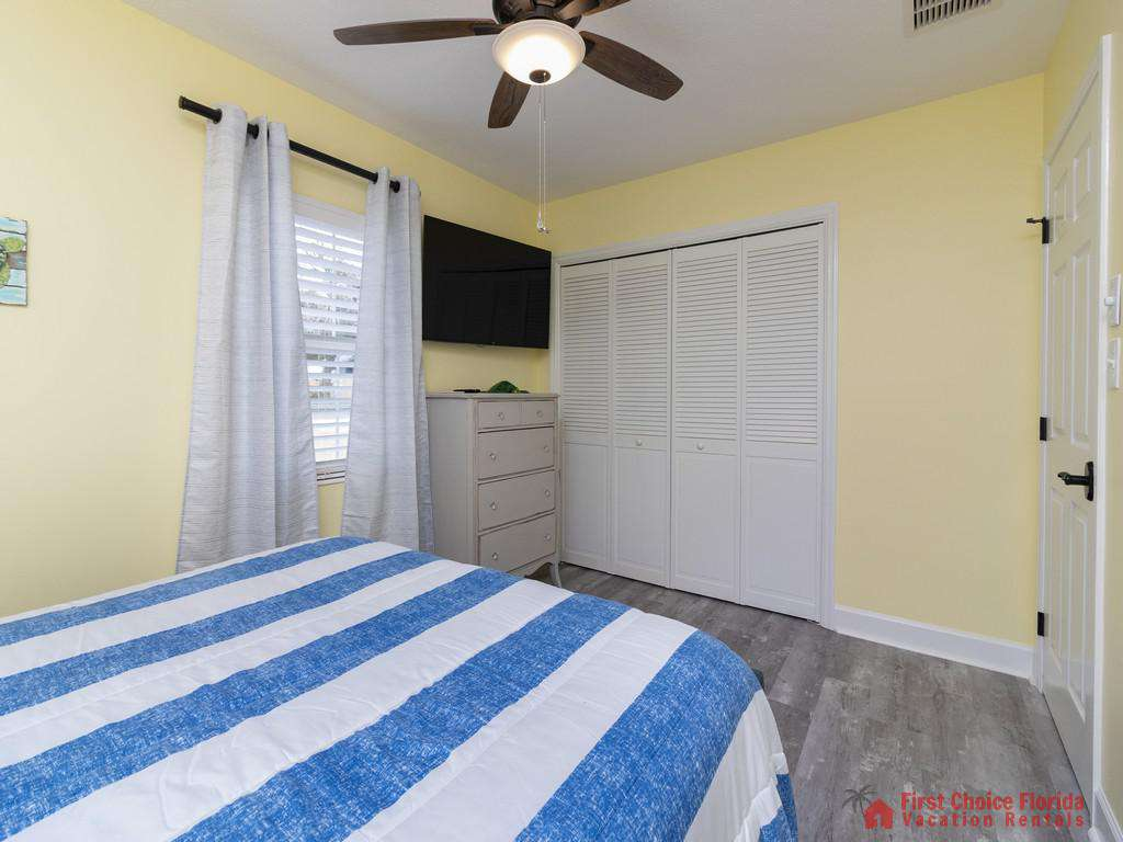 CD Beach House Bed with Fan TV and Closet