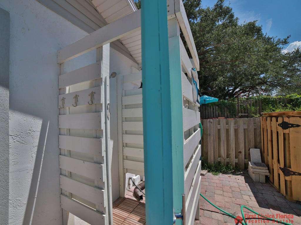 Shore Happy - Outdoor Shower