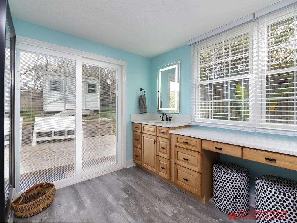 CD Beach House - Master Bathroom