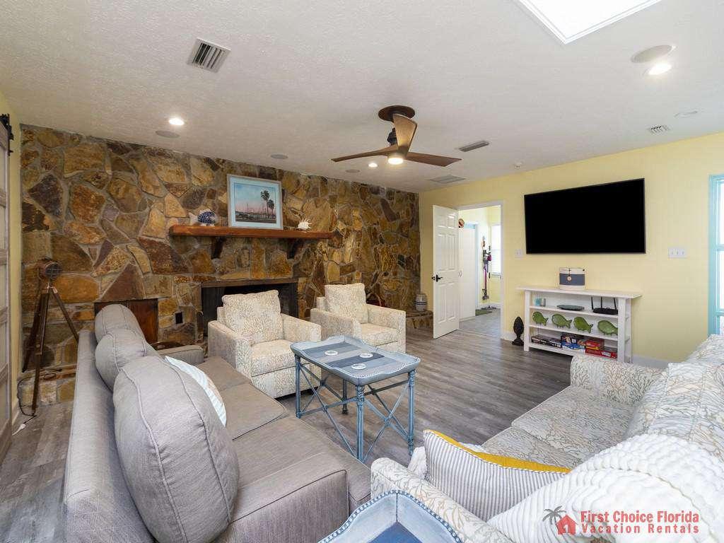 CD Beach House - Family Room