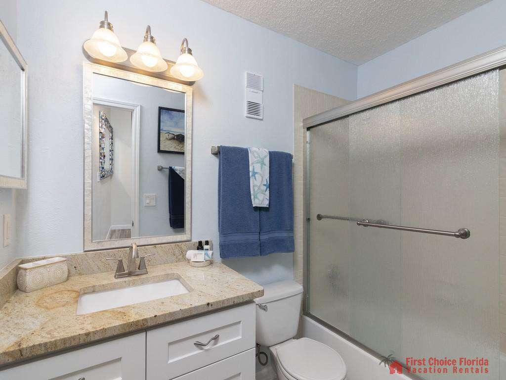 Tarpon Run 35 - Master Bathroom