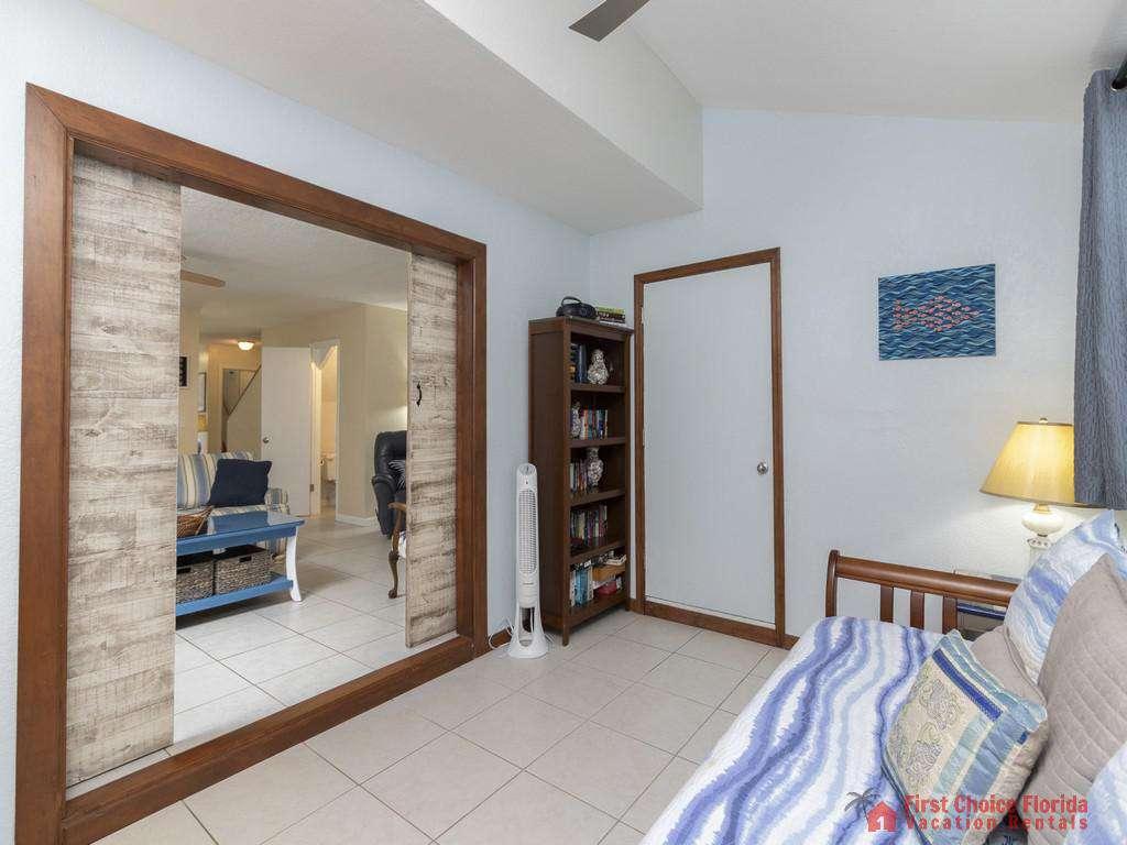 Tarpon Run 35 - Guest Bedroom