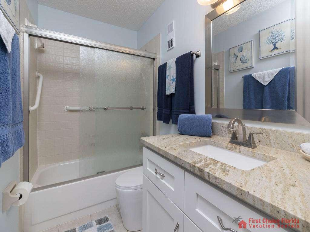 Tarpon Run 35 - Guest Bathroom