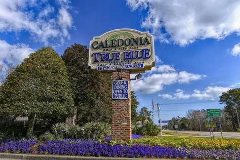 True Blue 2 Bedroom 2 Bath Condo on Golfcourse