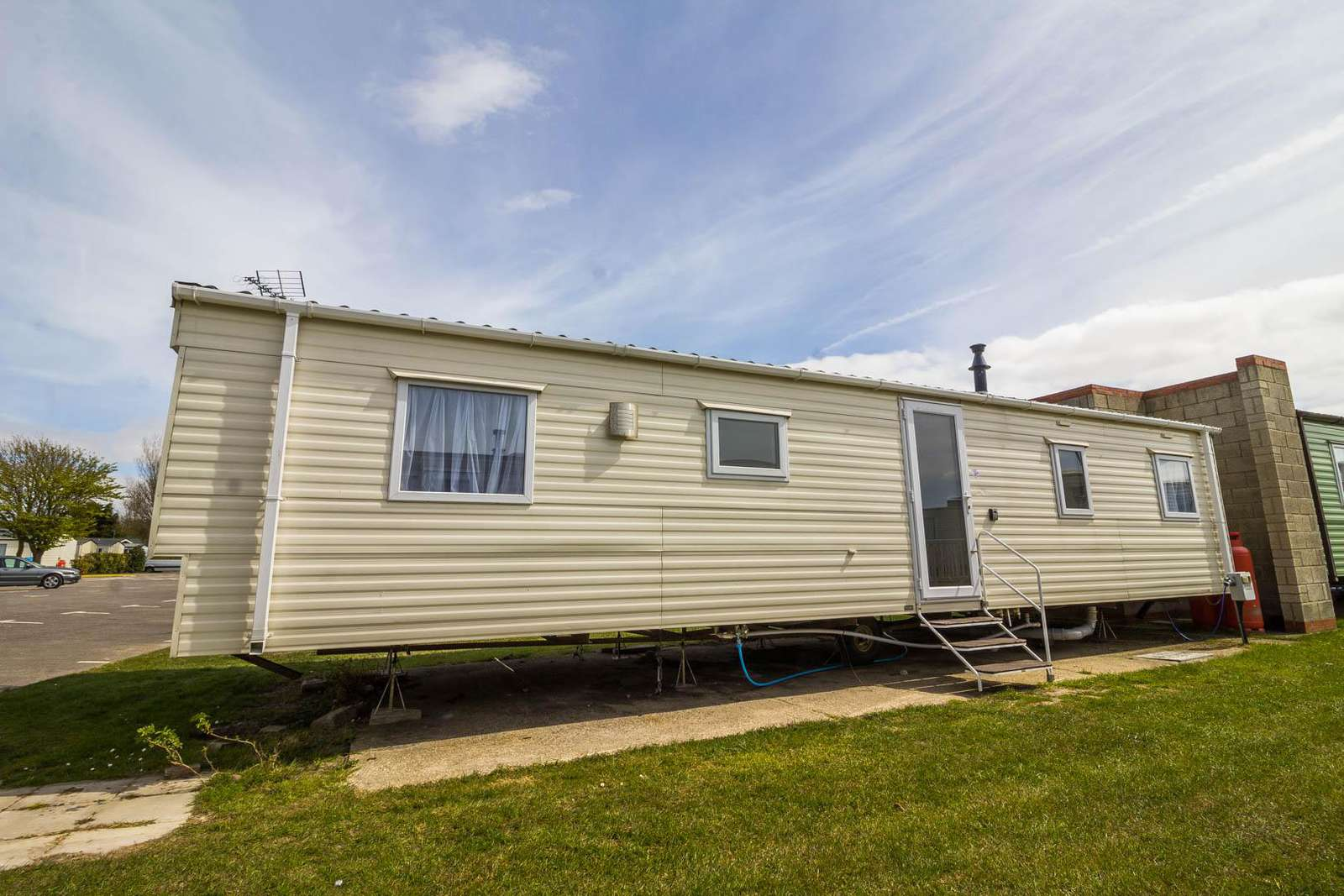 17175P – Pines area, 3 bed, 8 berth caravan with D/G & C/H. Diamond Rated. - property