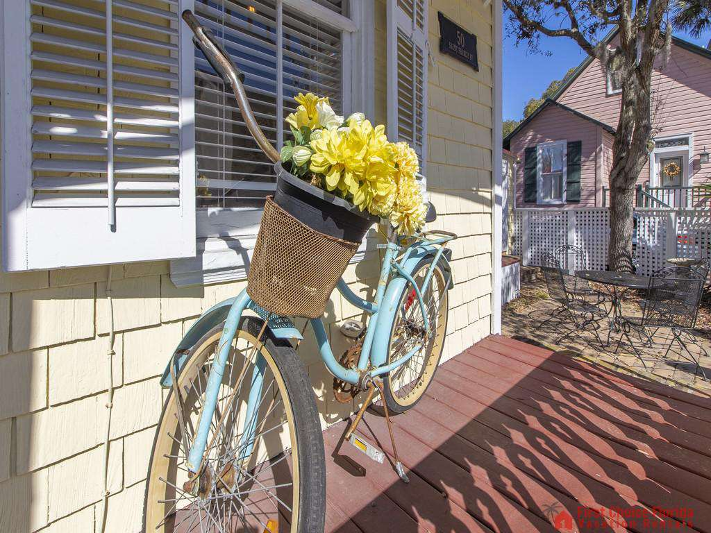 50 St. Francis Street - Side Porch Charm