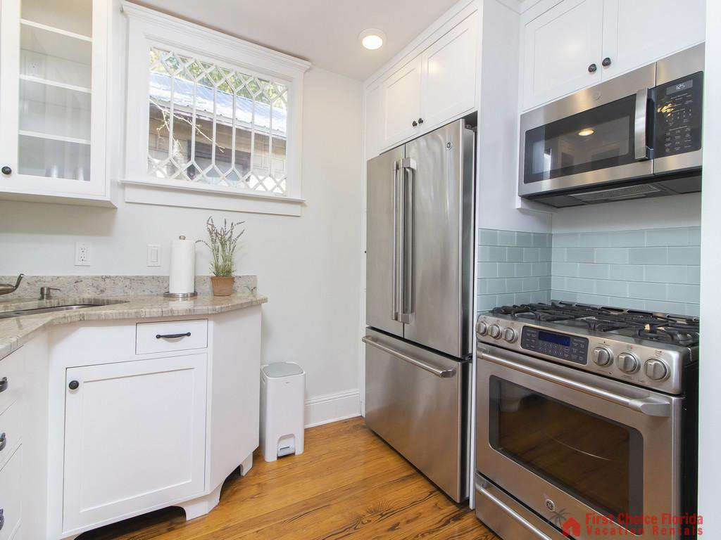 50 St. Francis Street - Kitchen with High End Appliances