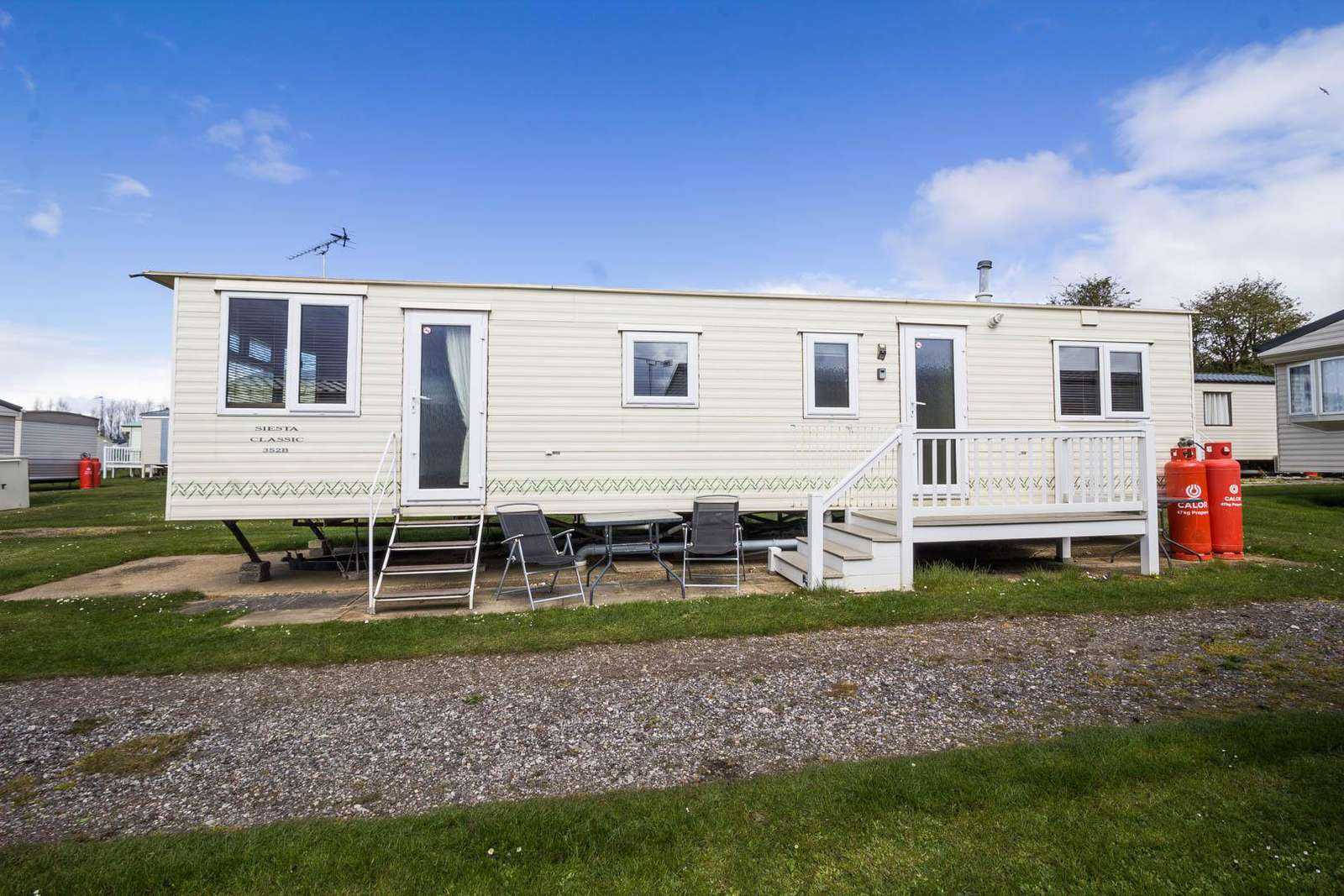23038S – Sandringham area, 2 bed, 6 berth caravan with C/H & D/G. Diamond rated. - property