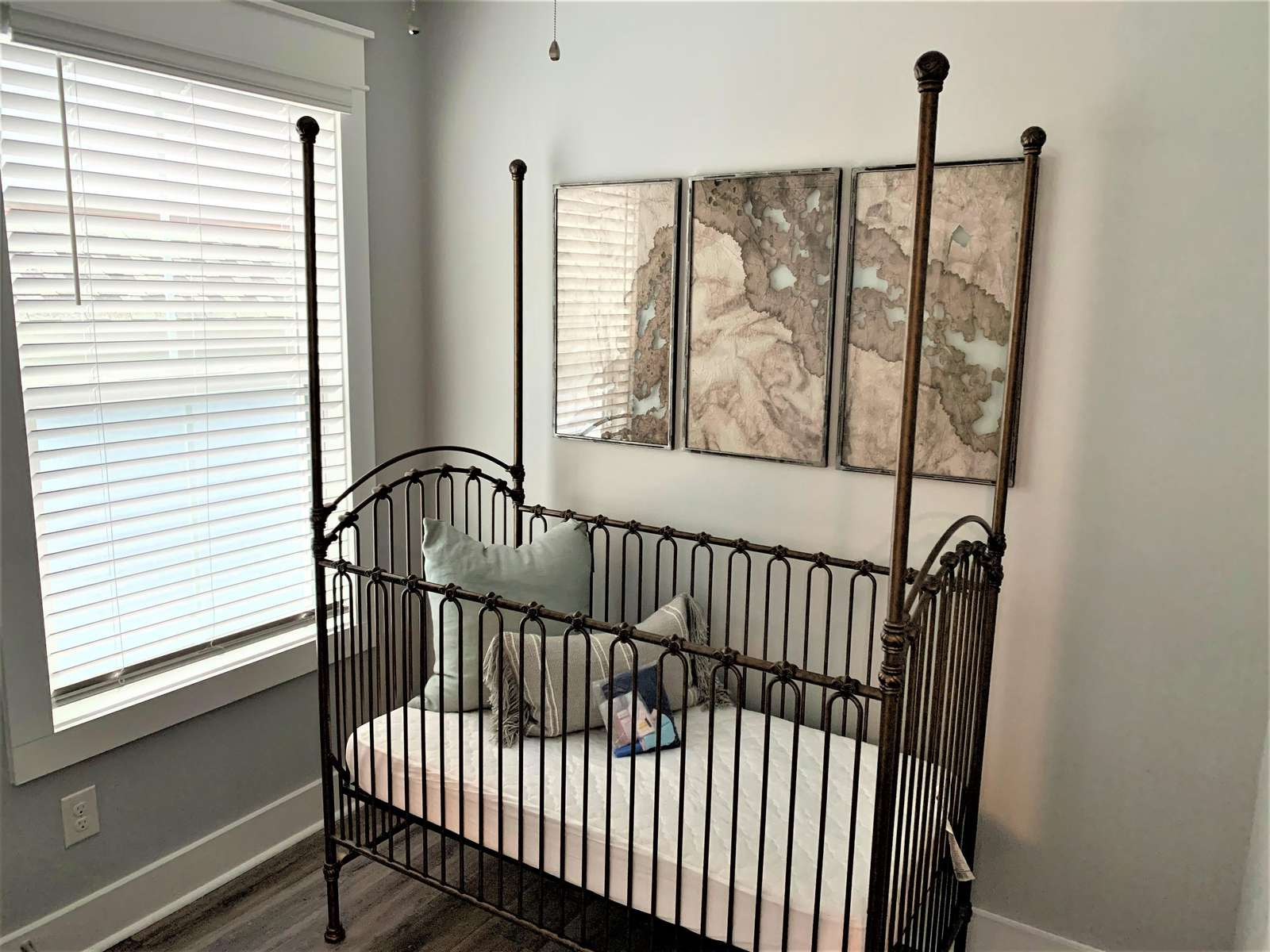 Full Size Crib for Baby