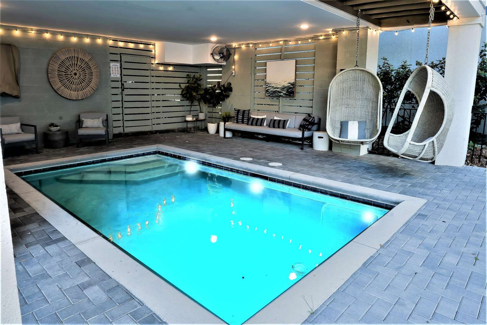 Perfect Vacation! Full Size Pool with Plenty of Room for the Family