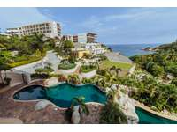2 pools, gym, restaurant and direct beach access thumb