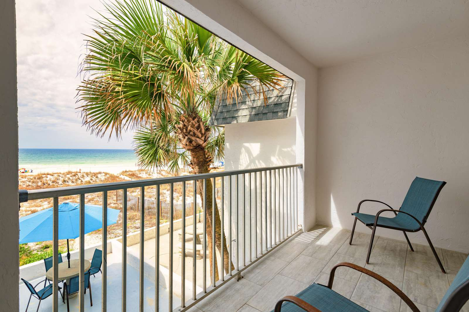 Private master balcony with amazing views!