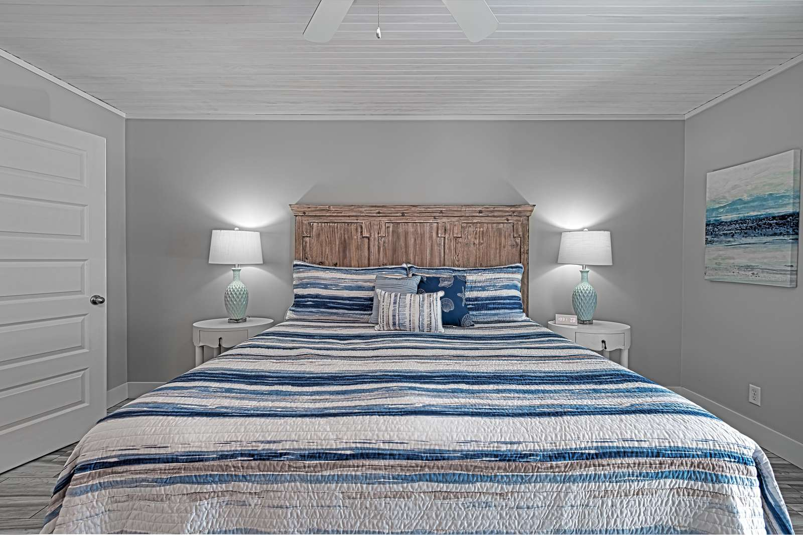 Beautiful master bedroom setup!