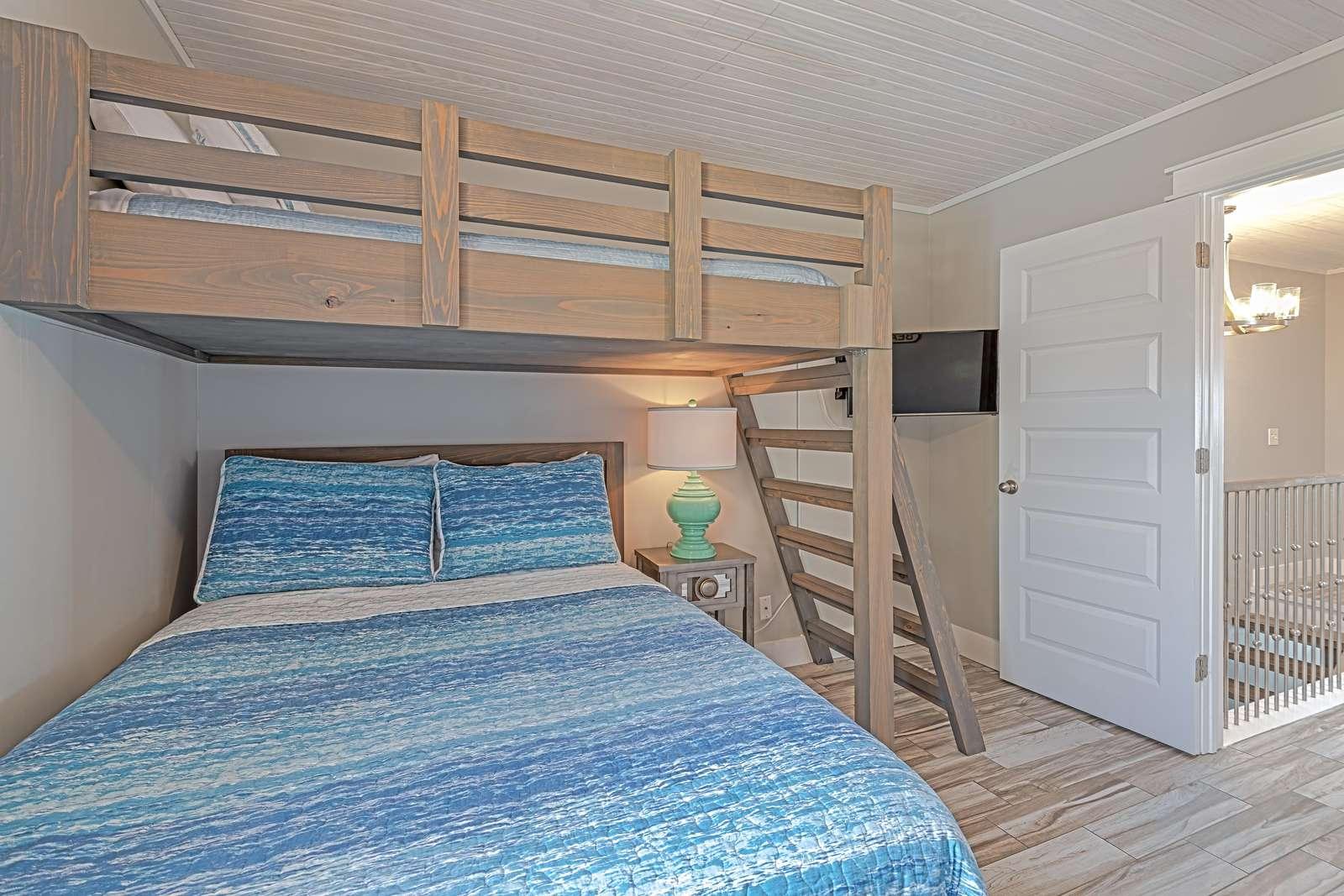 The guest bedroom has plenty of sleeping options!
