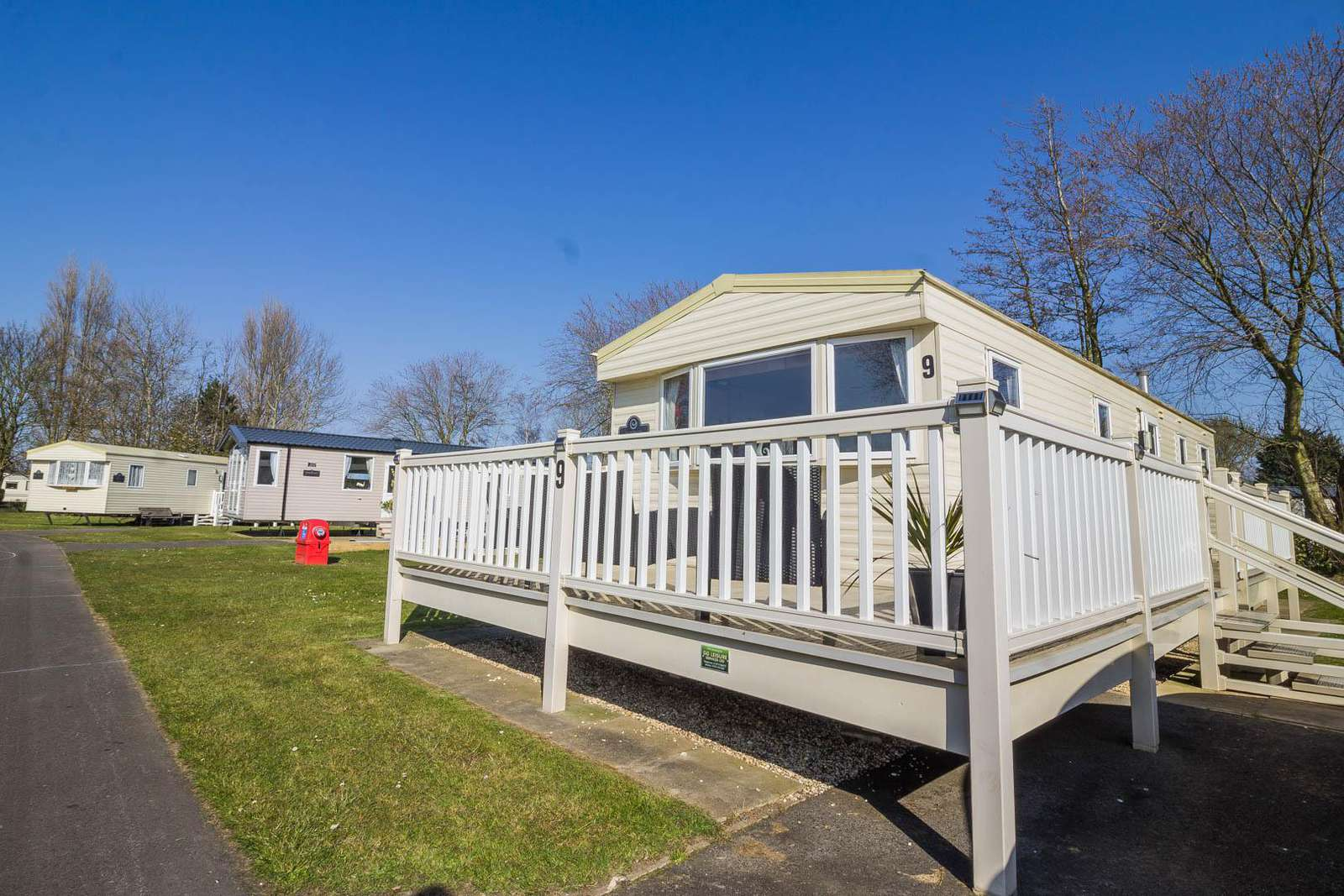 54009CB – Cedar Brook 9, 3 bed, 8 berth caravan with decking. Diamond rated. - property