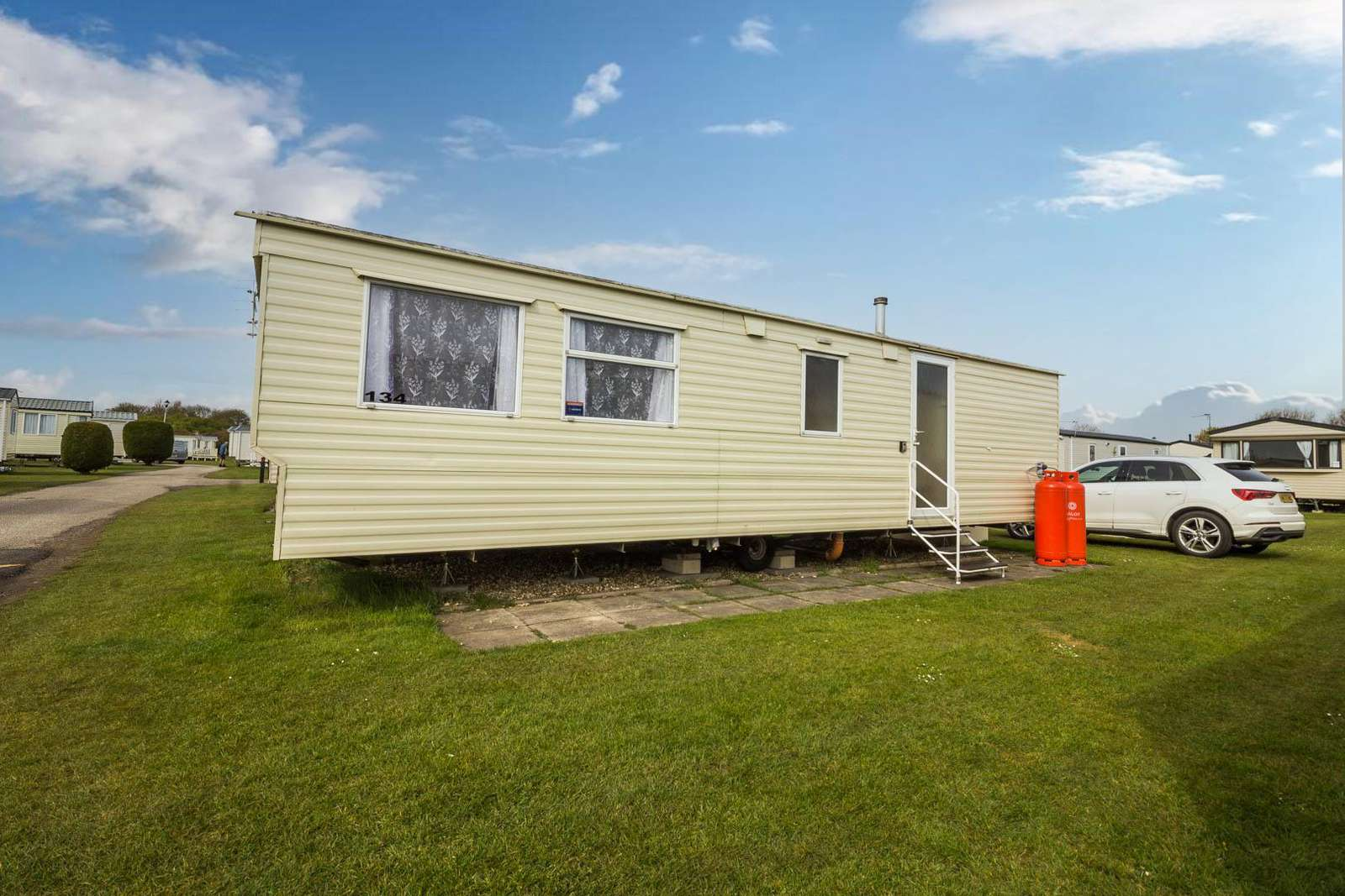 35134S – Sunnydale, 2 bed, 6 berth caravan. Emerald rated. - property