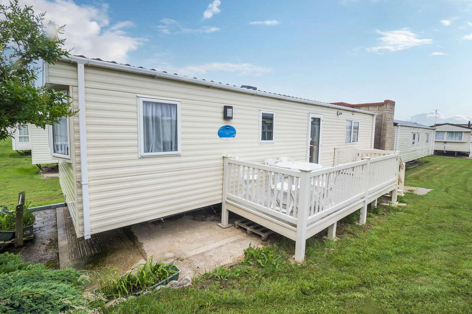 17342BR – Backwater Rise area, 2 bed, 6 berth caravan with D/G & C/H. Ruby rated. - property