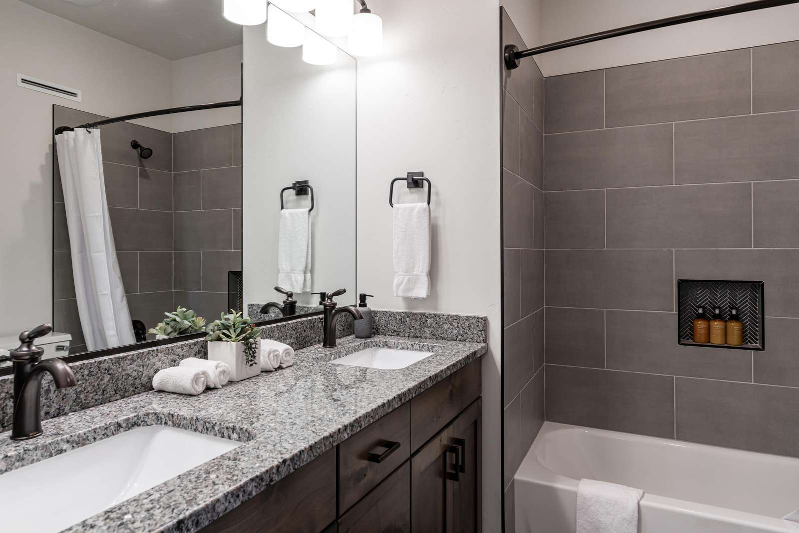 Jack & Jill upstairs bathroom - shared by Southwest bedroom and bunk bedroom