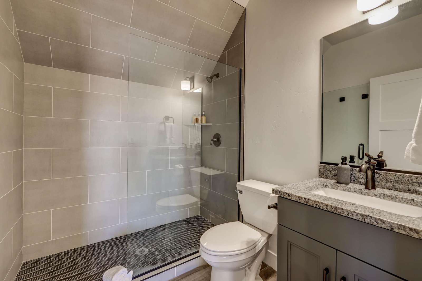 Bunk/Rec Room Bathroom
