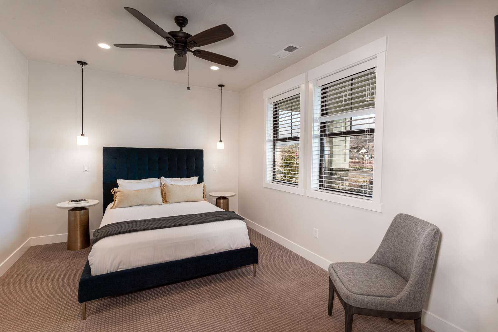 "1st floor Southeast queen bedroom features a 42""flat screen TV.  Bedroom has a Jack & Jill bathroom"