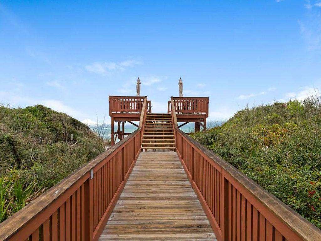 Walkway to Beach One Minute