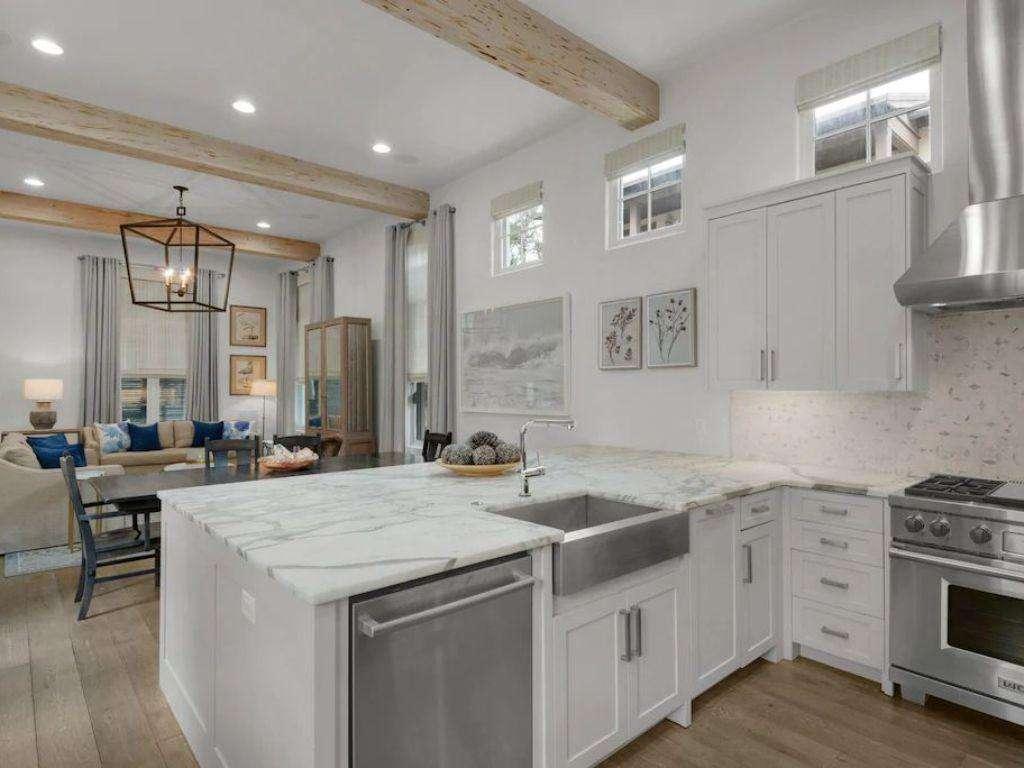 Open Floor Plan W/Kitchen