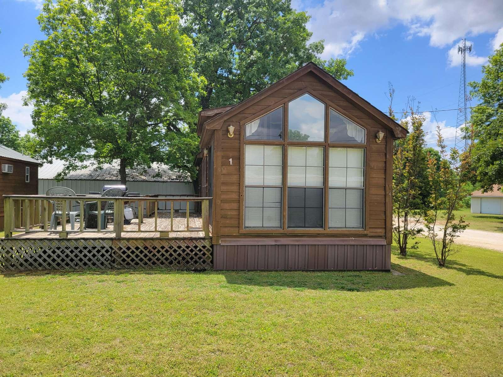 Boulder Ridge Cabin #1 - property