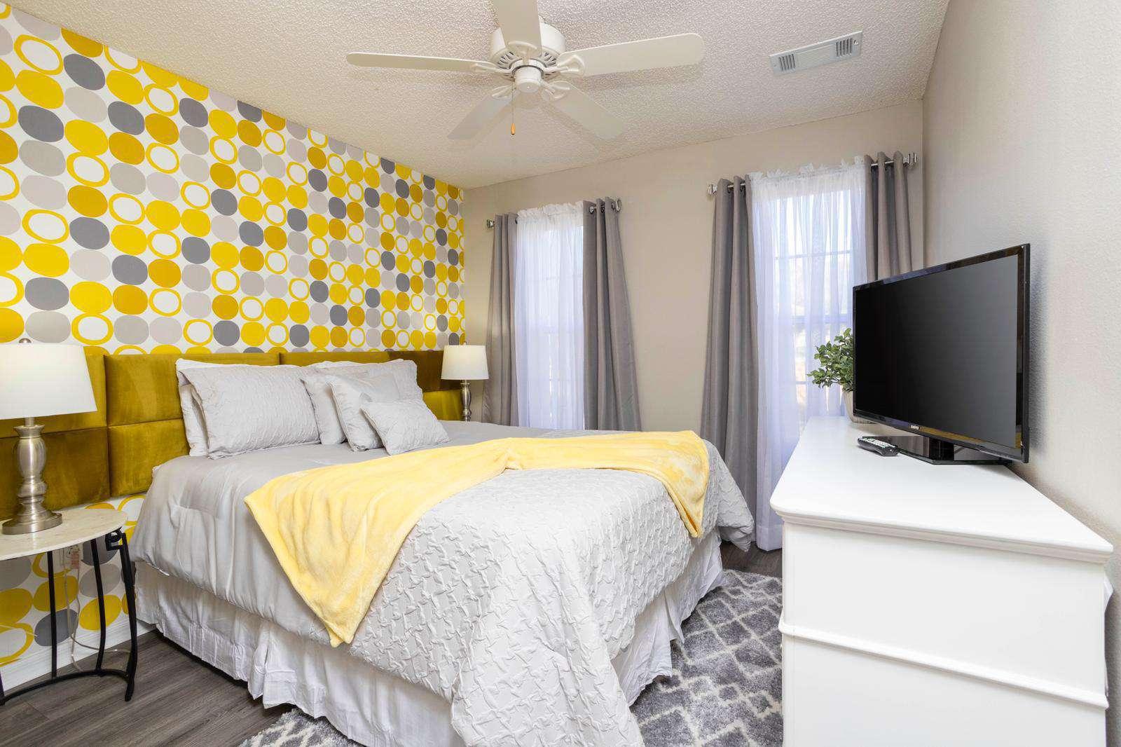 2nd bedroom Queen size bed - property
