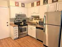 Kitchen with Granite & SS Appliances thumb