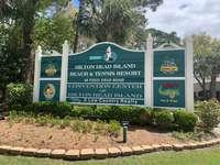 Entrance to Hilton Head Beach & Tennis thumb